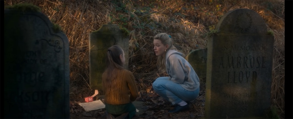 Watch The Haunting Of Bly Manor Trailer Netflix Drama Series Deadline