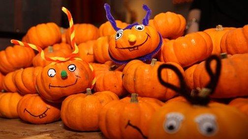 Los Angeles Halloween Party 2020 Halloween Back On In Los Angeles Despite Coronavirus Pandemic