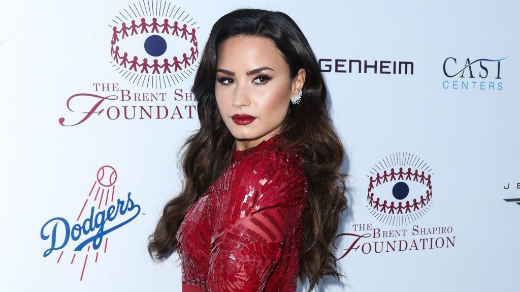 Demi Lovato To Host E!'s People's Choice Awards