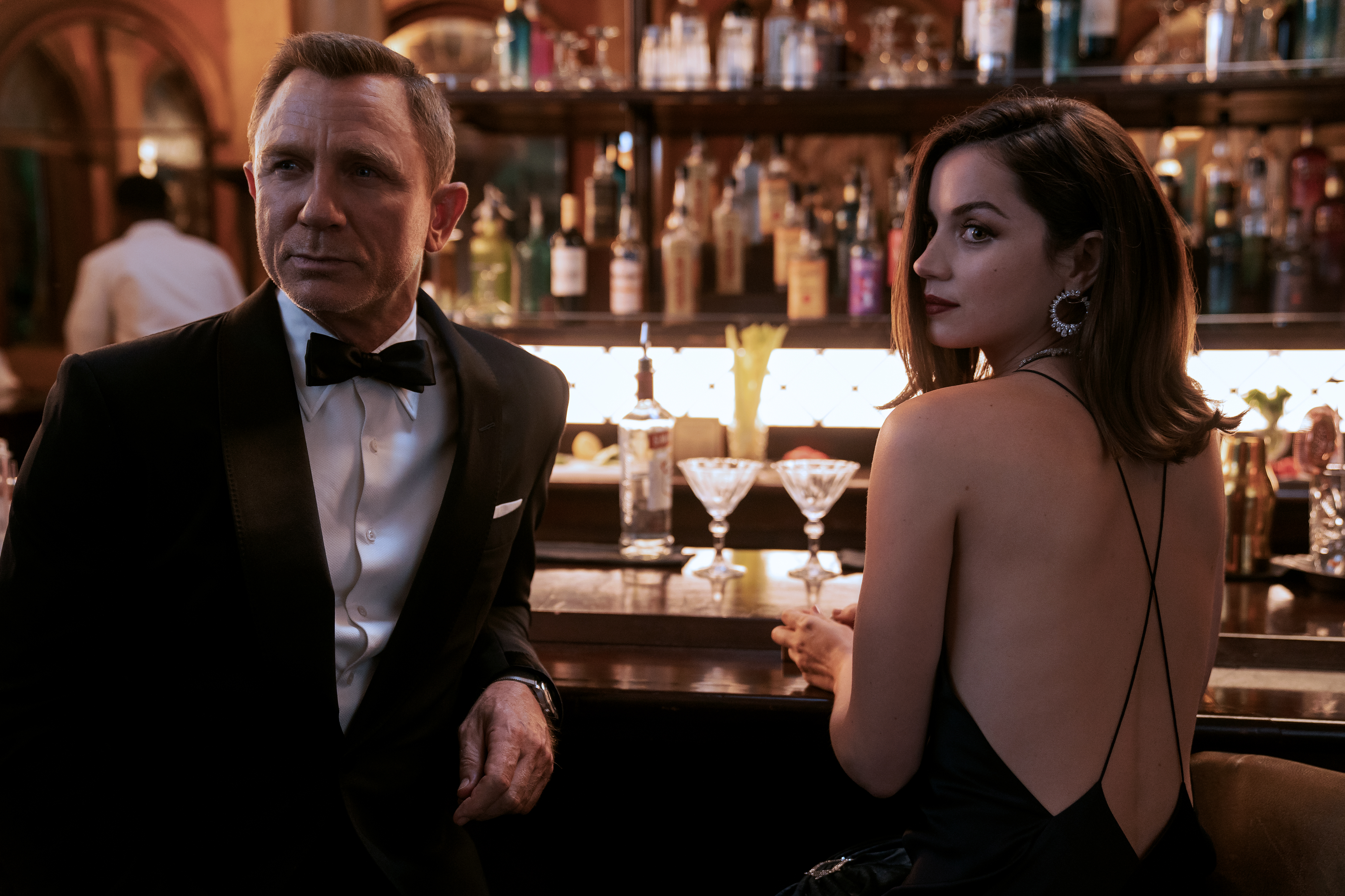 No Time to Die' Box Office Posts Record Preview Night For Bond Film With  $6.3M – Deadline