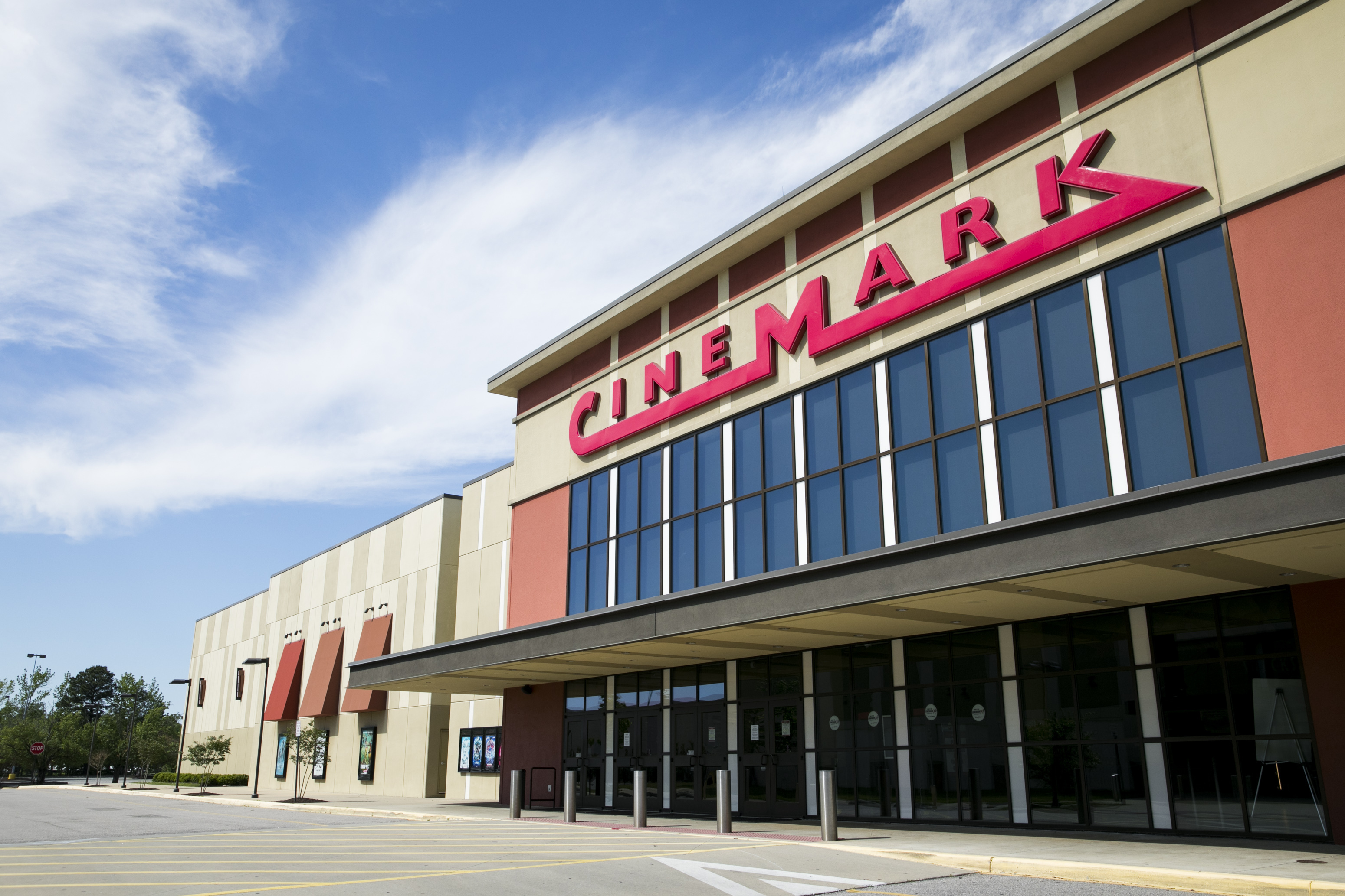 "Cinemark CEO Mark Zoradi Sees CA Movie Theaters Reopening In 2 To 4 Weeks, Big Summer Releases Could Help ""Light Up These Theaters Again"""