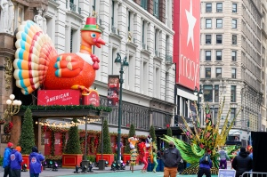 How To Watch The Macy's Thanksgiving Day Parade Online & On TV