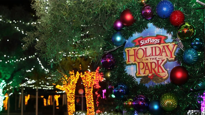 York Christmas Lights 2020 Drive Park Six Flags Magic Mountain Sets 'Holiday In The Park Drive Thru