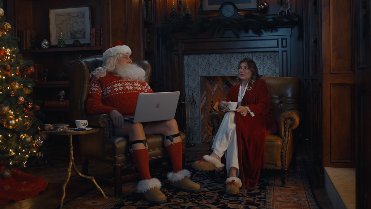 2021 Cox Cable Christmas Parade Santa Steve Carell And His Elves Retool Christmas 2020 Style In Craig Gillespie Directed Xfinity Short Film Deadline