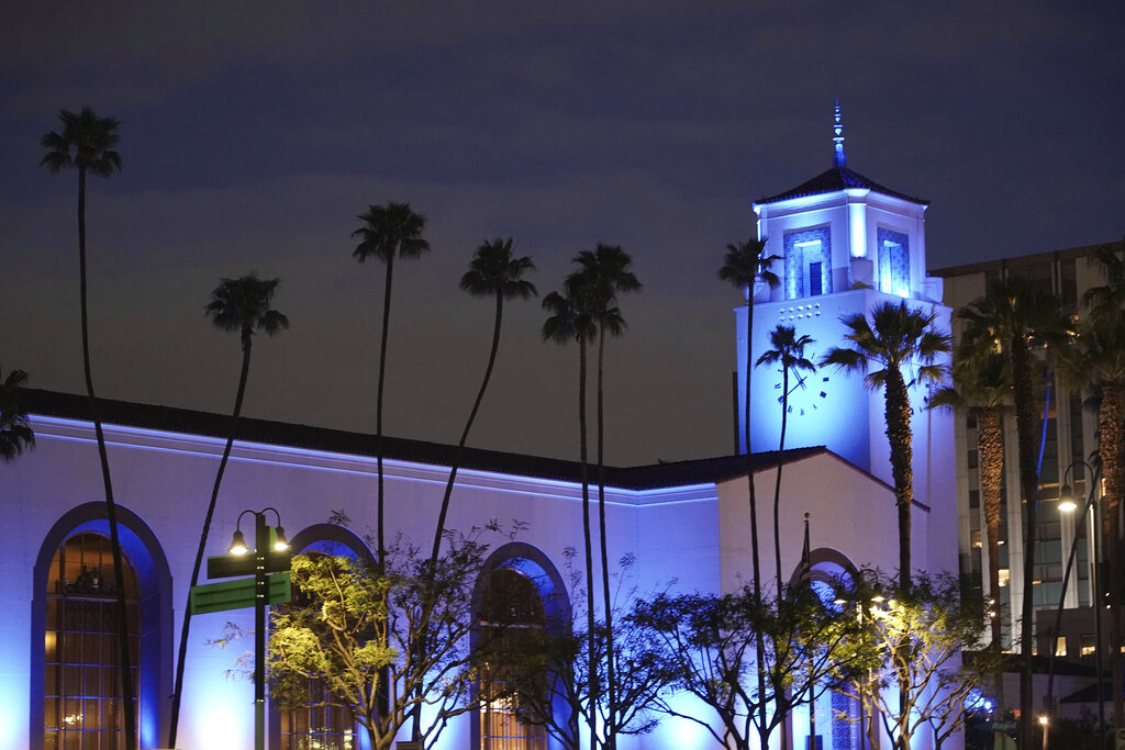 "Covid-19 Test Site Will Now ""Reopen"" At Union Station Despite 'She's All That' Remake Shoot, L.A. Mayor Declares – Update - Deadline"