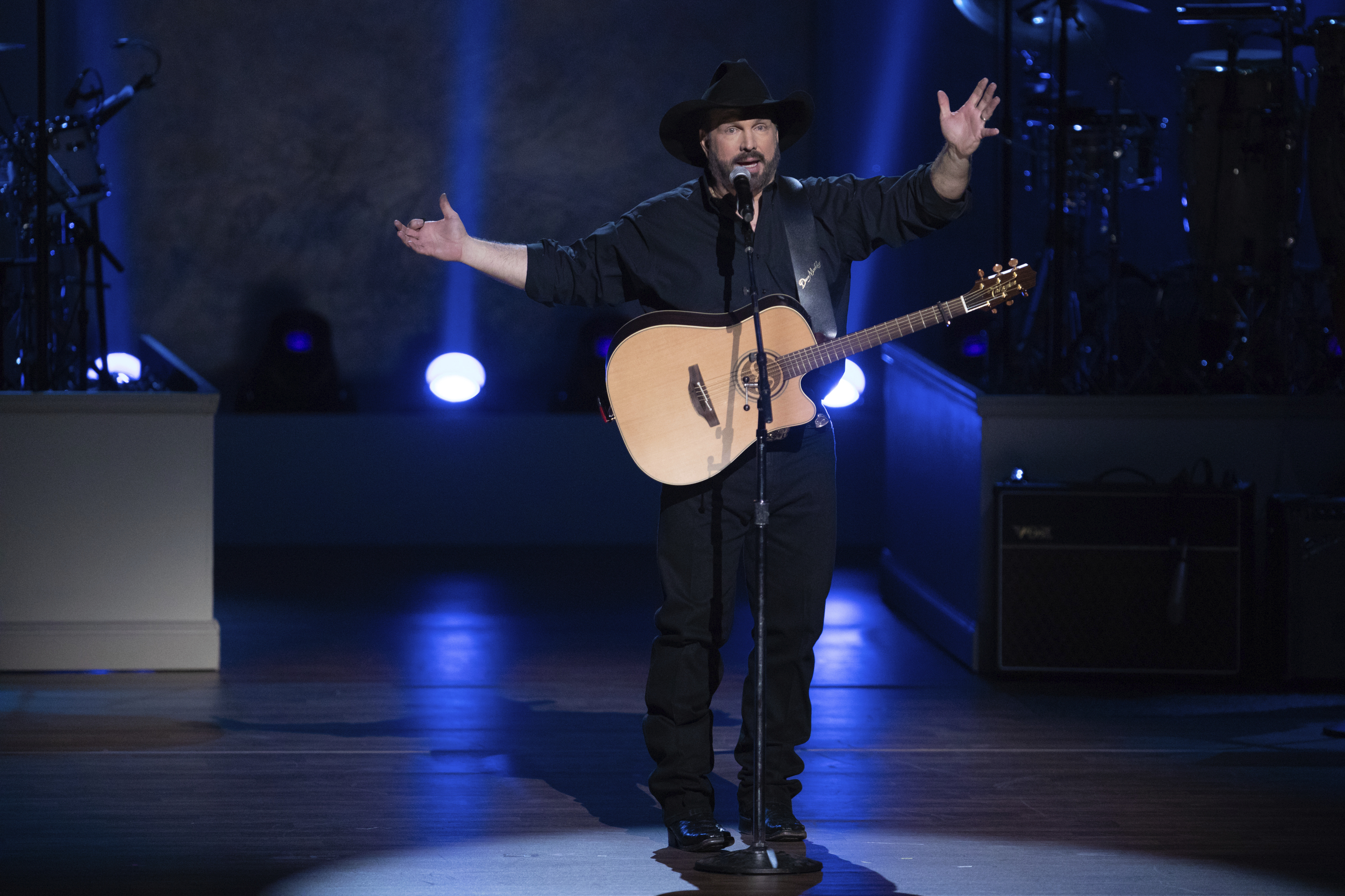 Garth Brooks To Perform At Joe Biden and Kamala Harris' Swearing-In Ceremony