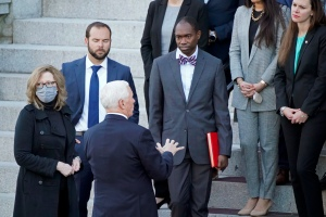 Mike Pence Not Scheduled To Attend Donald Trump Send Off Ceremony But Will Make It To Joe Biden And Kamala Harris Swearing In