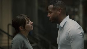 Rashida Jones and Marlon Wayans in 'On the Rocks'