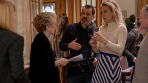 Ellen Burstyn, Vanessa Kirby and director Kornél Mundruczó on the set of 'Pieces of a Woman'