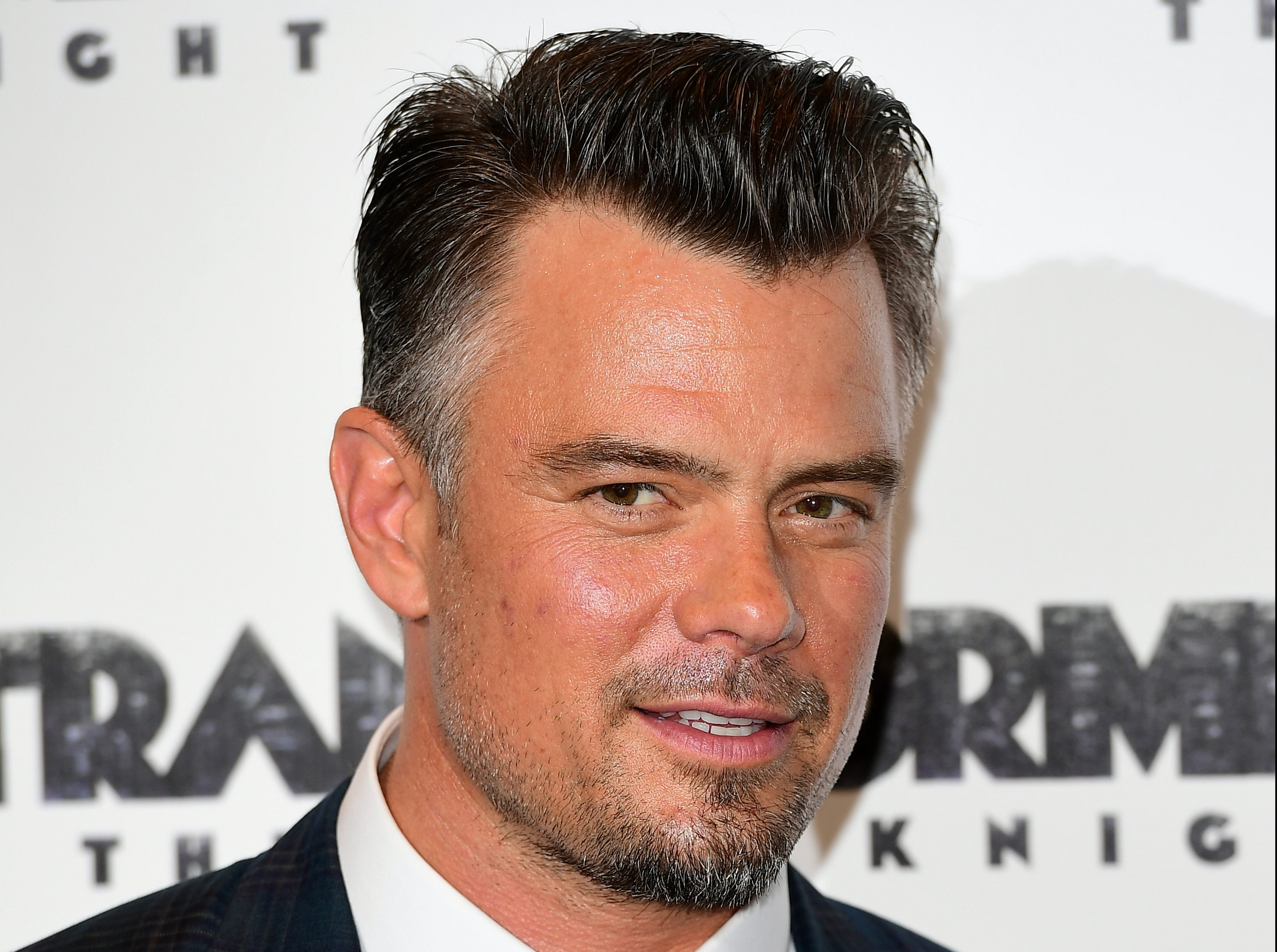 Josh Duhamel In Early Talks To Take Over For Armie Hammer in Jennifer Lopez's 'Shotgun Wedding'