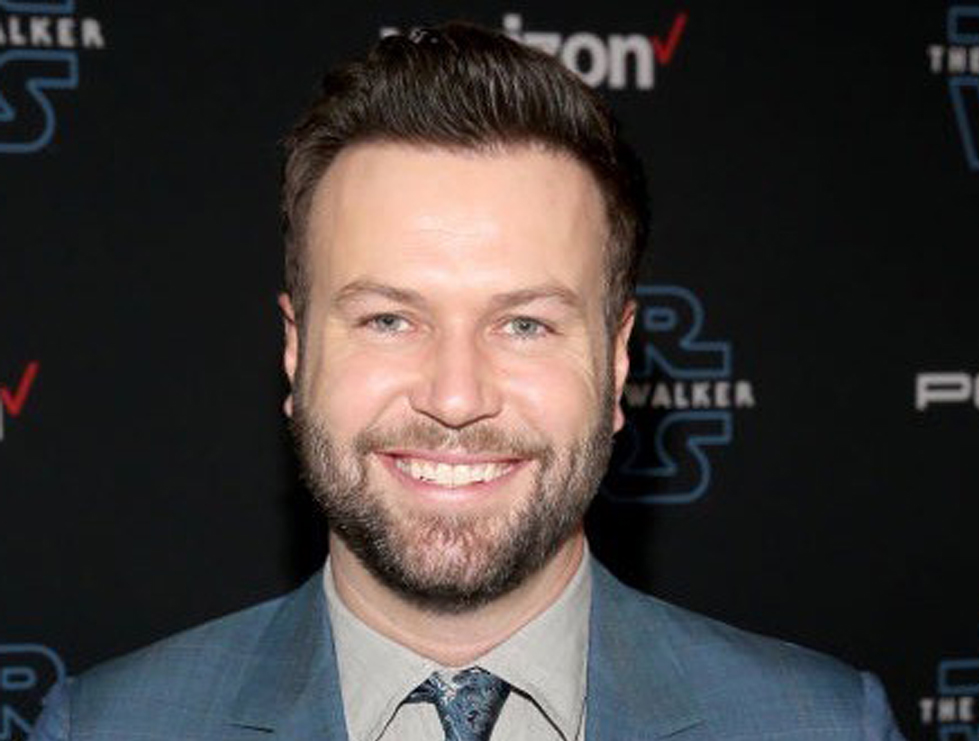 Taran Killam Joins Elizabeth Hurley & Hannah Simone In CBS Comedy Pilot 'Welcome To Georgia'.jpg
