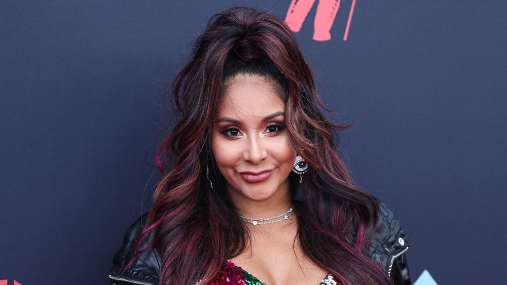 """'Jersey Shore's Nicole 'Snooki' Polizzi Tests Positive For Covid-19, Says """"It's Fricken Weird"""" - Deadline"""