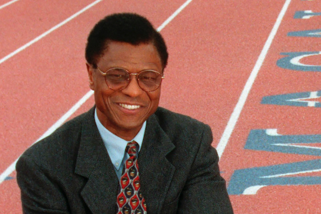 Irv Cross Dies: NFL Player Who Became First Black Network Sports Show Anchor Was 81.jpg