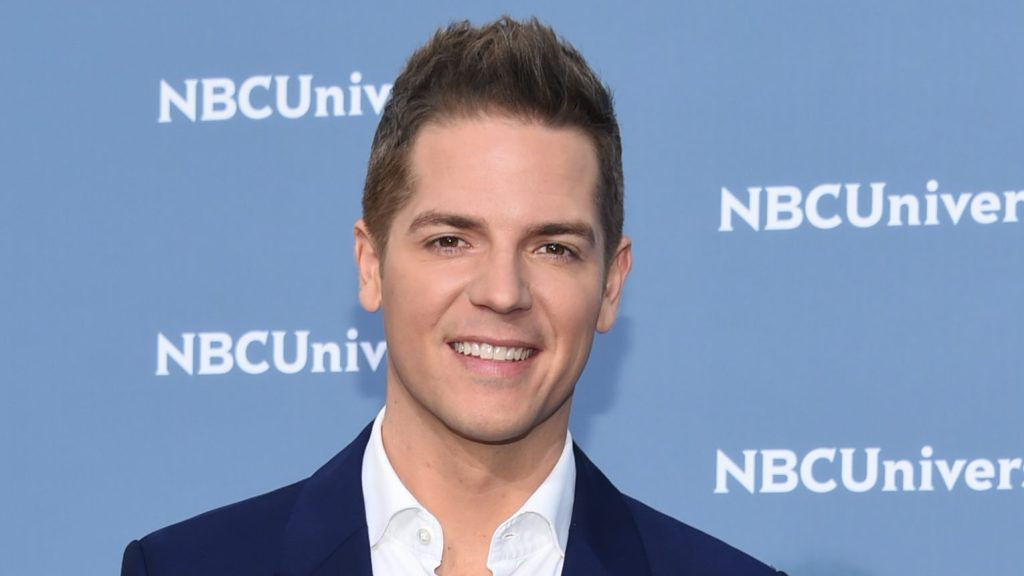 "Jason Kennedy Exits E! After 16 Years As 'In The Room' Host, Says He Will ""Explore New Opportunities"".jpg"