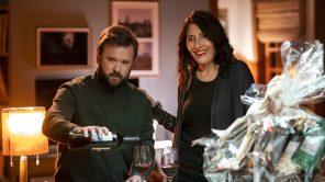 Haley Joel Osment and Lisa Edelstein in 'The Kominsky Method'