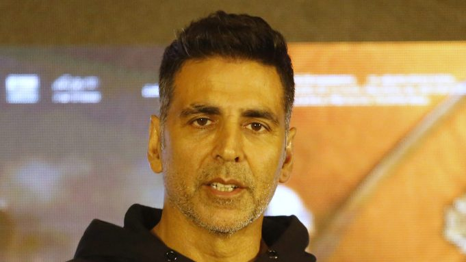 Akshay Kumar Hospitalized & 45 Crew Covid Positive On 'Ram Setu' – Deadline
