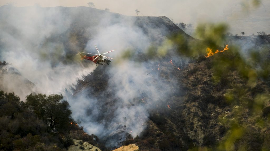 750-Acre Palisades Fire Sparks Mandatory Evacuations Near Topanga Canyon Boulevard.jpg