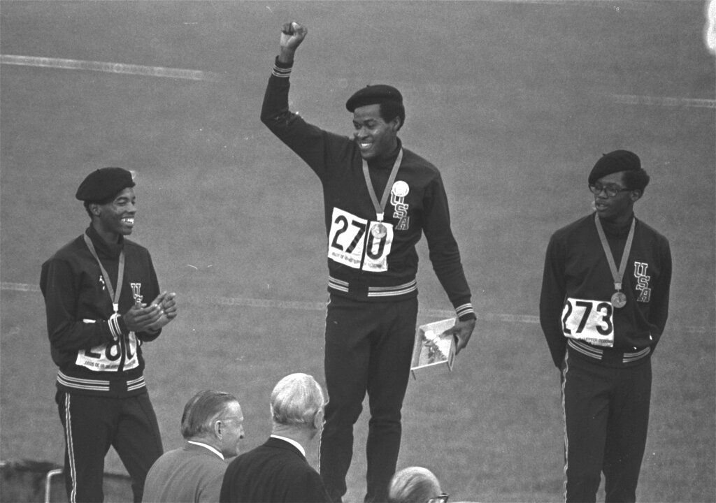 Lee Evans, Two-Time Olympic Gold Medalist Who Protests Racism at '68 Mexico Ciy Games, Dies at 74