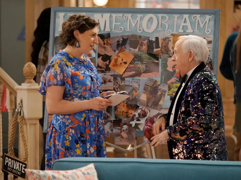 'Call Me Kat' Renewed For Season 2 At Fox; Showrunner Darlene Hunt To Exit.jpg