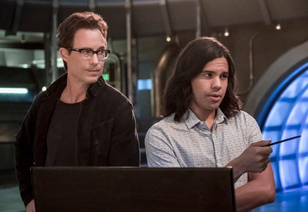 'The Flash' Original Cast Members Tom Cavanagh & Carlos Valdes Exit The CW's Series After 7 Seasons.jpg
