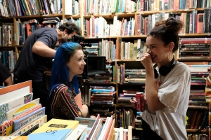 Jessica Barden and director Kelly Oxford on the set of 'Pink Skies Ahead'