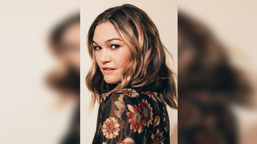Julia Stiles To Make Feature Directing Debut With 'Wish You Were Here'.jpg