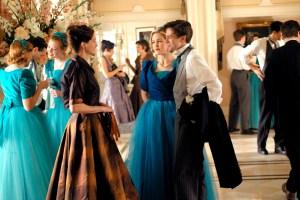 Julia Roberts, Julia Stiles and Topher Grace in 'Mona Lisa Smile'