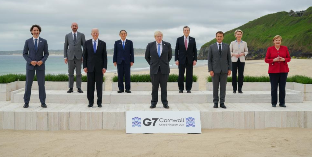 Late Night TV Hosts And Even The Queen Herself Poke Fun At Oddly-Posed Photos Of World Leaders At G7.jpg