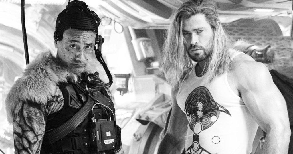 Wraps of love and thunder;  Chris Hemsworth Celebrates 'National Don't Flex Day' – News Block