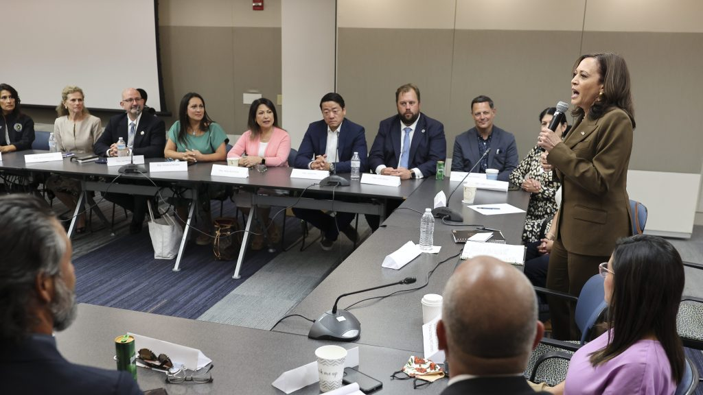 Vice President Kamala Harris Not Exposed To Covid-19 Says Spokesperson – News Block