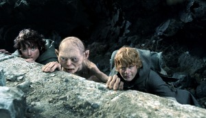 Elijah Wood, Andy Serkis, and Sean Astin in 'The Lord of the Rings: The Return of the King'
