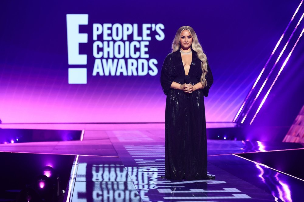 'People's Choice Awards' To Air On NBC In December.jpg