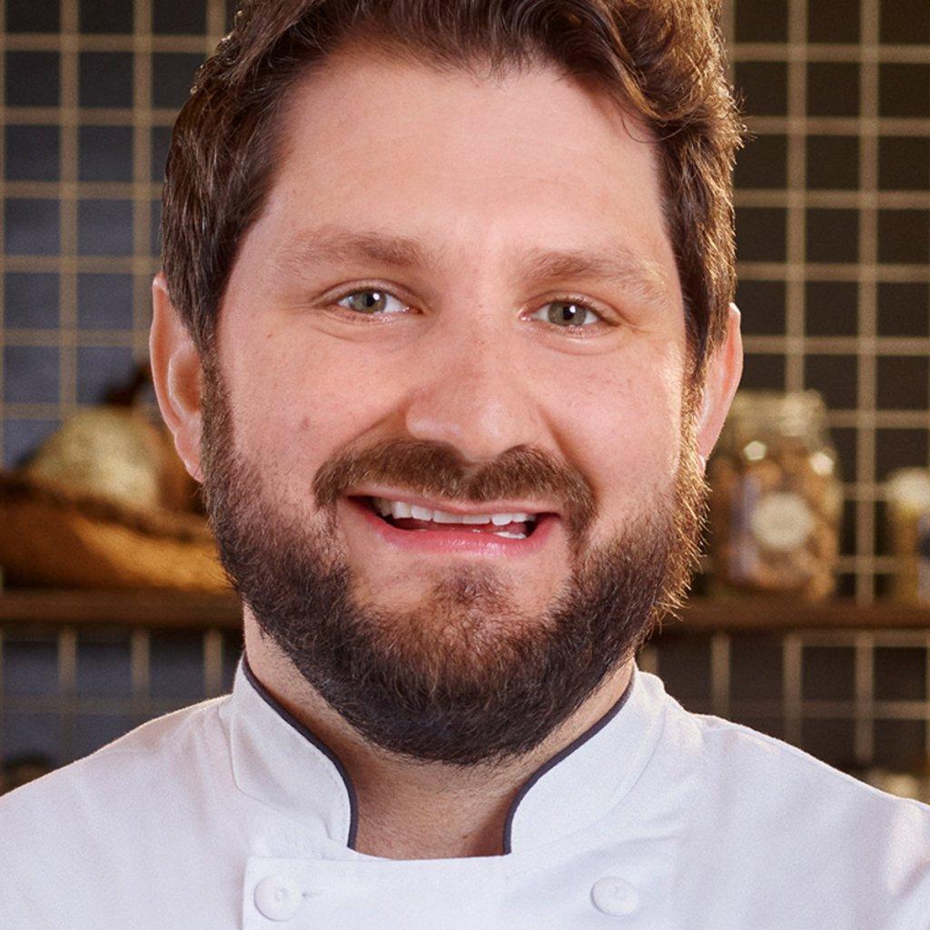 'Top Chef' Season 18 Winner Apologizes For Affair That Led To His Firing.jpg