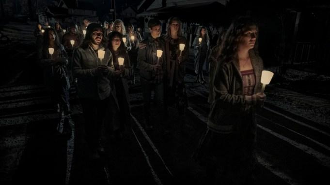 'Midnight Mass' Trailer: Mike Flanagan's Netflix