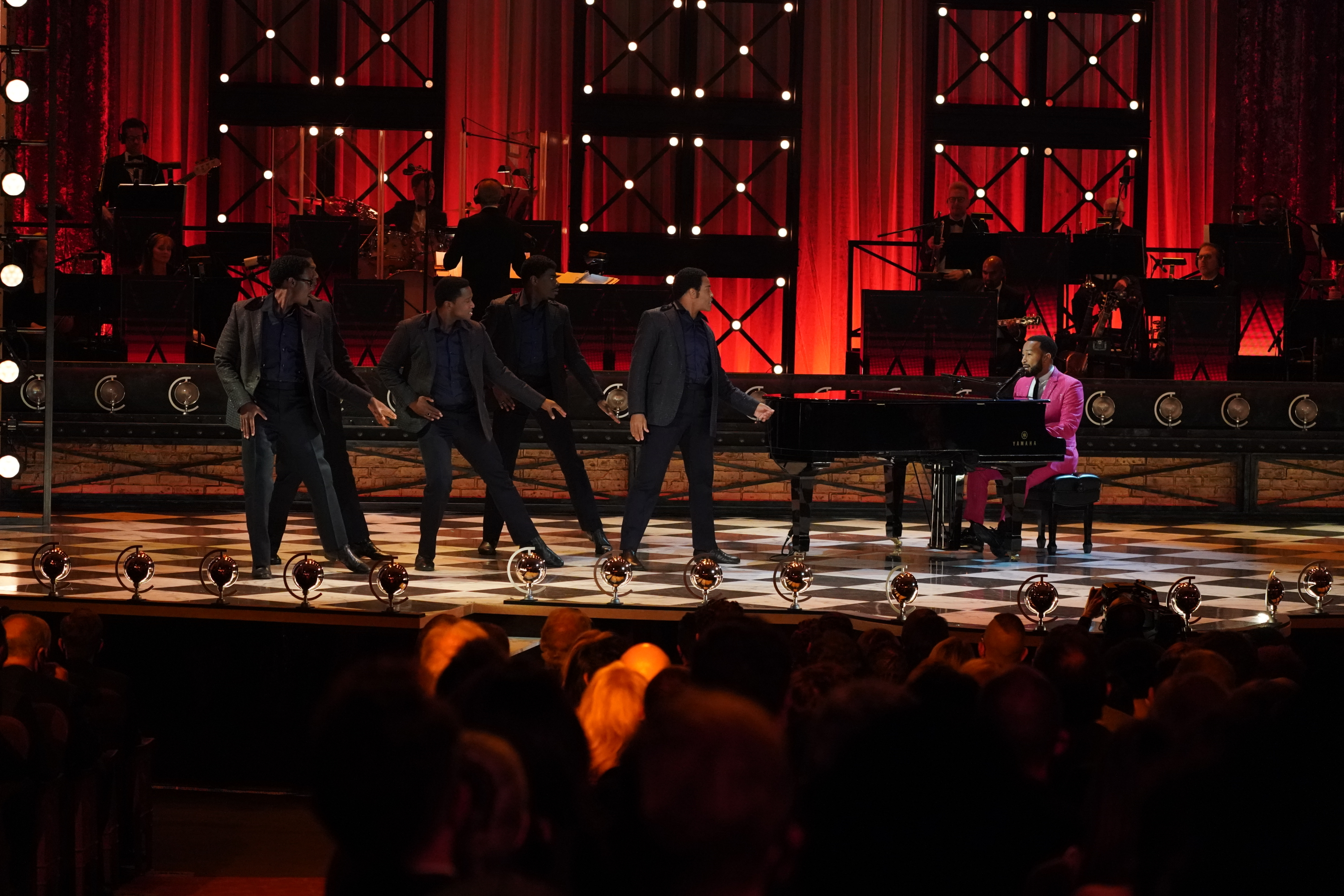 Tony Awards Review: Broadway Teaches TV A Lesson With Livestream-Broadcast Hybrid