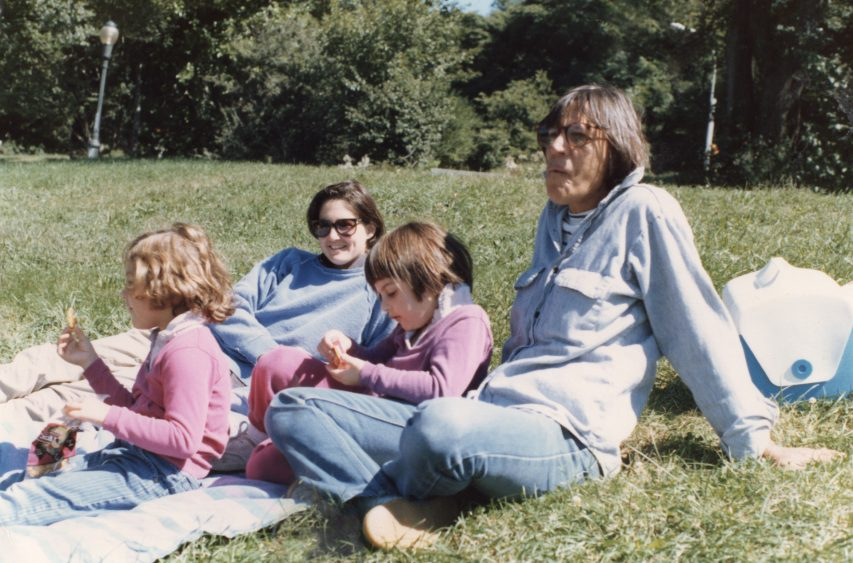 """""""Incredibly, Intimately Personal"""": 'Nuclear Family' Tells Story Of Lesbian Moms And Daughter Caught In Monumental Custody Battle — HBO TCA"""