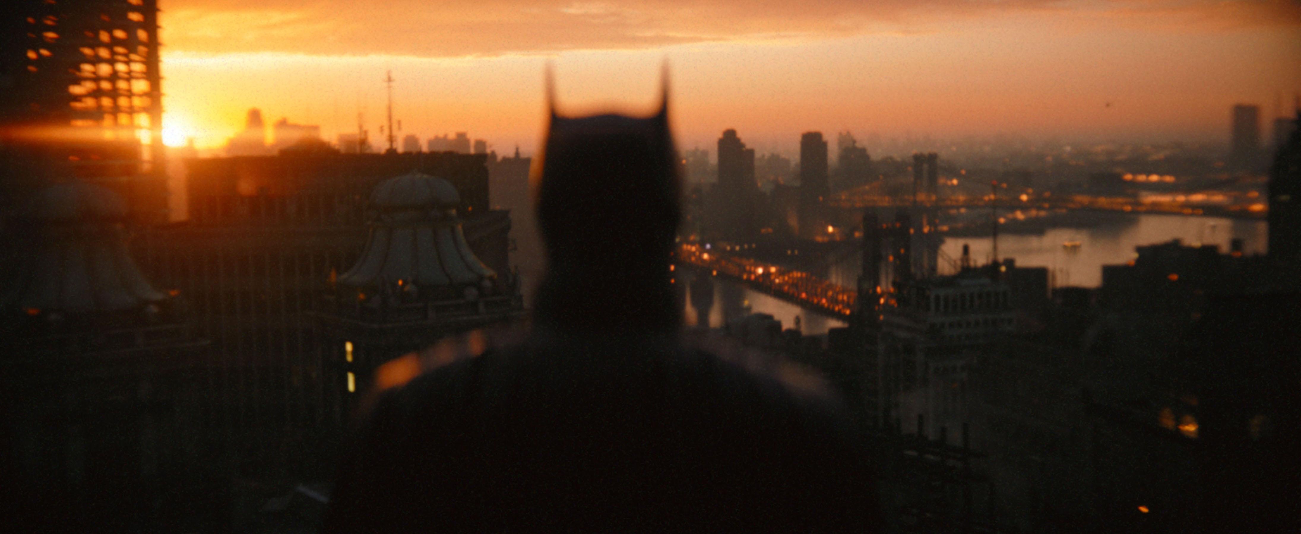 'The Batman' Director Matt Reeves Shares First Look At Zoë Kravitz as Catwoman Selina Kyle