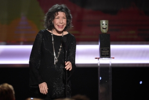 Lily Tomlin accepts the Lifetime Achievement Award at the 23rd annual Screen Actors Guild Awards at the Shrine Auditorium & Expo Hall on Sunday, Jan. 29, 2017, in Los Angeles. (Photo by Chris Pizzello/Invision/AP)